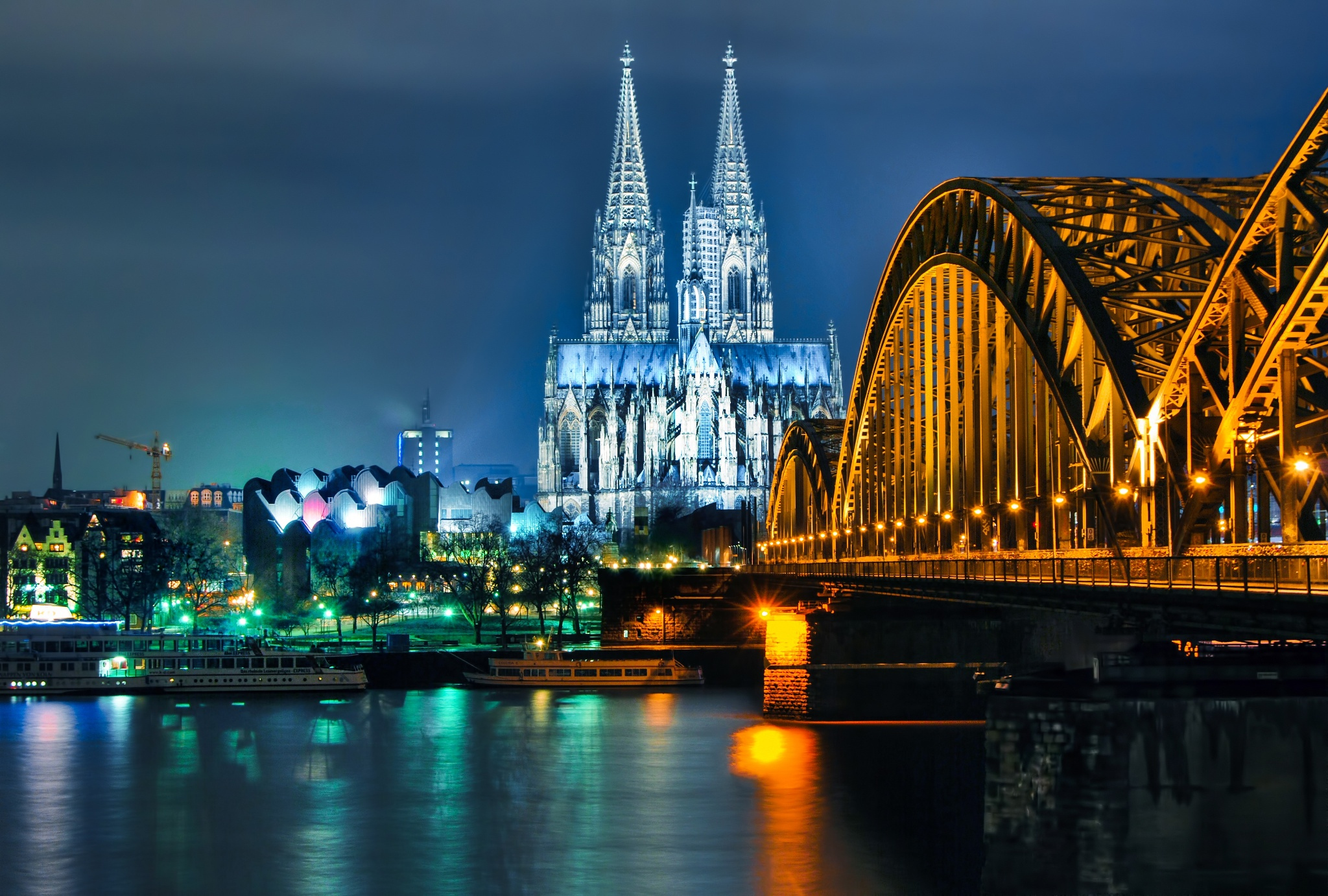 November 30 : Christmas Mega One Day Trip: Cologne